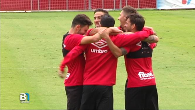 El+Mallorca+arriba+a+Tenerife+pendent+de+l%27estat+f%C3%ADsic+de+Moutinho