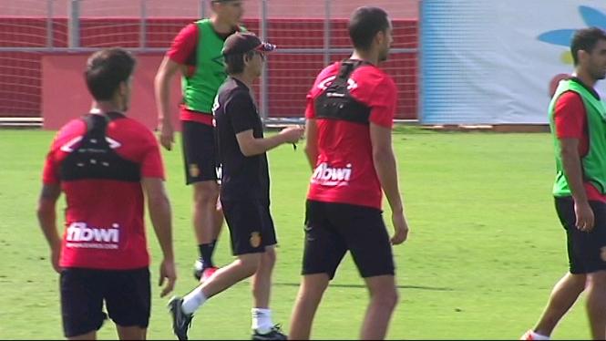 Fernando+V%C3%A1zquez+insisteix+en+la+idea+de+jugar+amb+cinc+defenses+a+Lugo