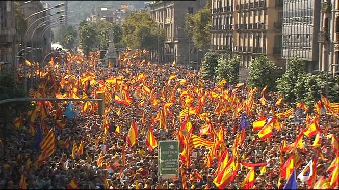 Un+mili%C3%B3+de+persones+segons+Societat+Civil+catalana+i+350.000+segons+la+Gu%C3%A0rdia+Urbana+han+participat+a+la+manifestaci%C3%B3+de+Barcelona