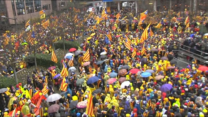 M%C3%A9s+de+45.000+persones+es+manifesten+a+Brussel%C2%B7les+per+la+independ%C3%A8ncia+de+Catalunya