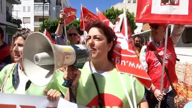 300+persones+es+manifesten+a+Eivissa+en+el+dia+del+treballador