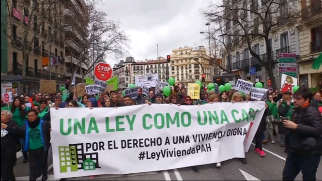 Milers+de+persones+es+manifesten+a+Madrid+per+reclamar+el+dret+a+un+habitatge+digne