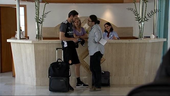 Moreno+concentra+l%27equip+a+un+hotel