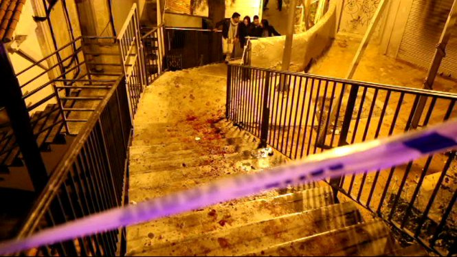 La+Policia+Nacional+investiga+la+mort+del+jove+atacat+la+nit+de+Nadal+a+la+zona+de+la+pla%C3%A7a+Gomila