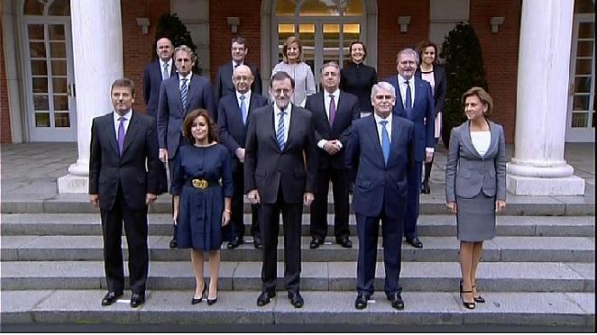 Els+nous+membres+del+gabinet+de+Rajoy+ja+han+celebrat+la+seva+primera+reuni%C3%B3+del+Consell+de+ministres.