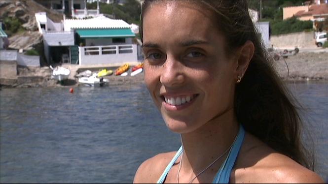 Ona+Carbonell+llueix+les+dues+medalles+del+Mundial+de+Nataci%C3%B3+a+Menorca