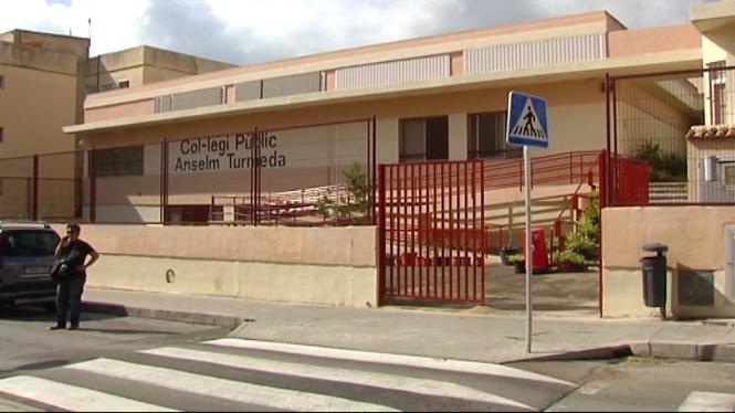 La+Policia+Nacional+investiga+l%27agressi%C3%B3+a+una+nina+de+8+anys+a+una+escola+de+Palma+per+una+dotzena+de+menors+en+el+temps+del+pati