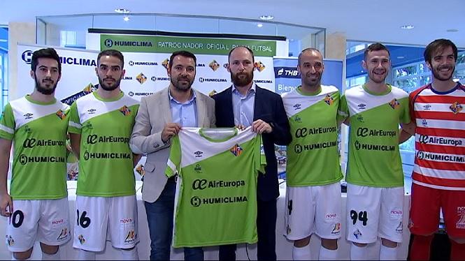 El+Palma+Futsal+cerca+la+quarta+pla%C3%A7a+enmig+de+la+pol%C3%A8mica+per+Carlitos