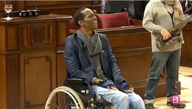 La+veu+de+Charles+Roylle+commemora+el+Dia+de+les+persones+amb+discapacitat+al+Parlament