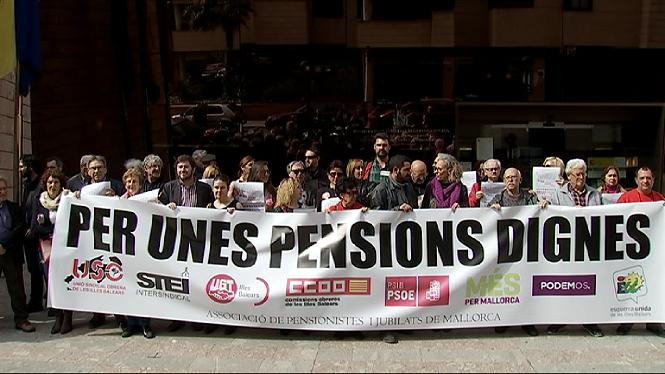 Els+sindicants+es+concentren+per+demanar+unes+pensions+dignes