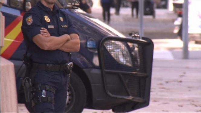 Davalla+considerablement+els+agents+de+seguretat+de+l%27Estat+des+que+governa+Rajoy