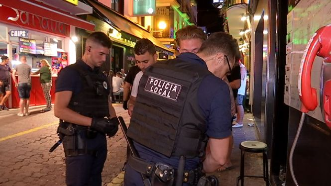 La+policia+d%27Alar%C3%B3+denuncia+l%27Ajuntament+per+no+expedientar+renous+de+bars+i+locals+d%27oci