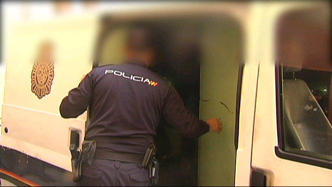 Dos+agents+de+la+Policia+Local+han+estat+detenguts+pel+cas+de+la+presumpta+corrupci%C3%B3+al+quarter+de+Sant+Ferran