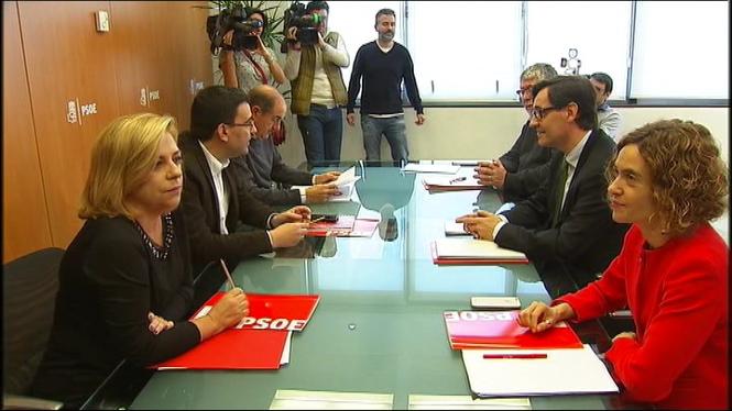 PSOE+i+PSC+acorden+actualitzar+les+seves+relacions