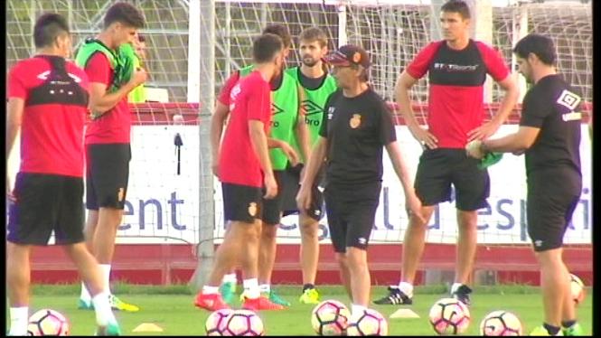 Els+futbolistes+del+Mallorca+intenten+afinar+la+punteria
