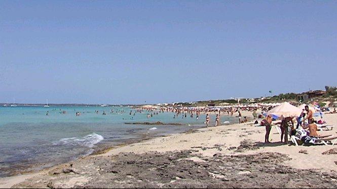 El+Consell+de+Formentera+tanca+3+quiosquets+del+litoral
