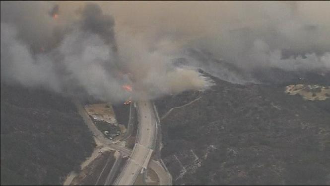 Decretat+l%27estat+d%27emerg%C3%A8ncia+a+Los+Angeles+pel+pitjor+incendi+de+la+hist%C3%B2ria+de+la+ciutat