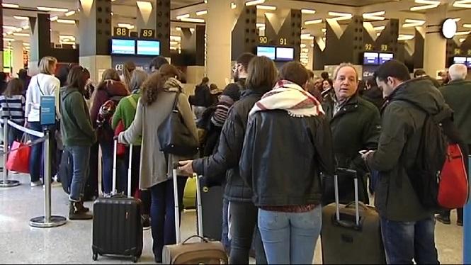M%C3%A9s+de+150.000+persones+passen+pels+aeroports+insulars+aquest+cap+de+setmana