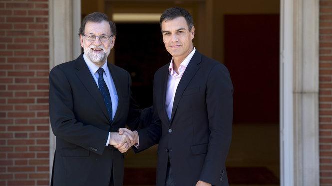 Trobada+entre+el+president+en+funcions%2C+Mariano+Rajoy%2C+i+el+secretari+general+socialista%2C+Pedro+S%C3%A1nchez