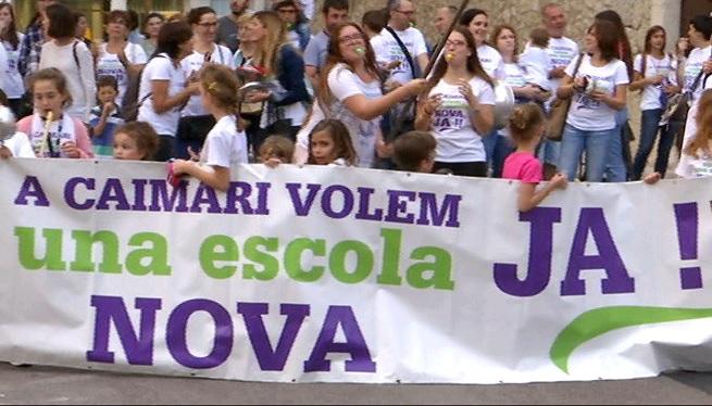 Cassolada+a+Selva+per+reivindicar+una+nova+escola+a+Caimari