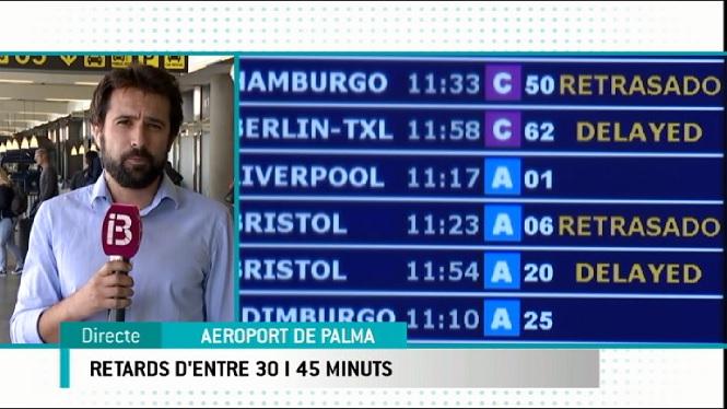 Retards+a+l%27aeroport+de+Son+Sant+Joan+pel+mal+temps