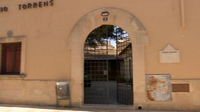 Tanca+la+Fundaci%C3%B3+Torrens+d%27Alc%C3%BAdia+i+cedeix+els+edificis+a+l%27Ajuntament