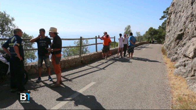 Mor+un+ciclista+despr%C3%A9s+de+caure+per+un+barranc+a+Valldemossa