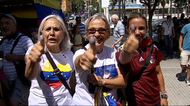 Els+vene%C3%A7olans+de+les+Illes+voten+contra+el+refer%C3%A8ndum+de+Nicol%C3%A1s+Maduro