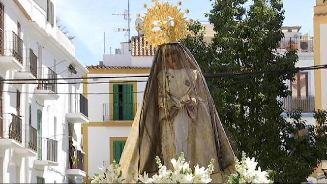 La+boira+ha+impedit+veure+la+Mare+de+D%C3%A9u+de+Sant+Salvador+coronada