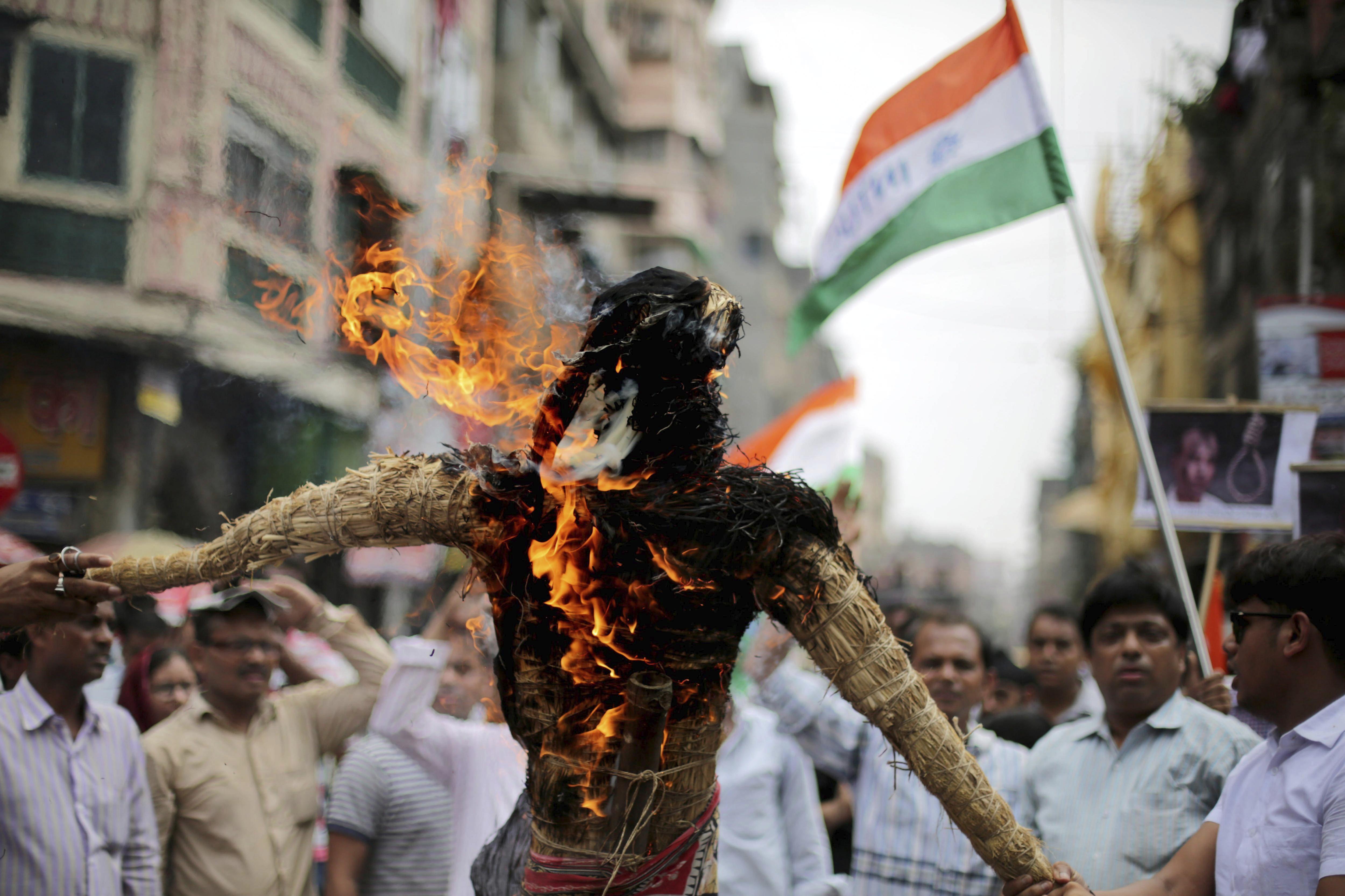 Protesta per l'alliberament d'un ciutadà indi sentenciat a pena de mort a Pakistan.  / EFE - PIYAL ADHIKARY