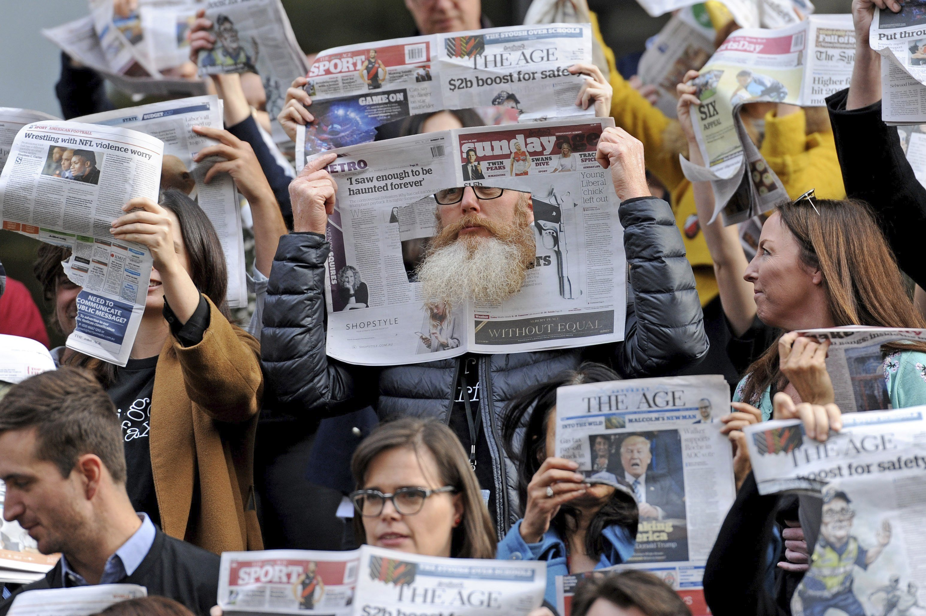 Periodistes del grup de comunicació Fairfax Media secunden una vaga durant una setmana contra la decisió d'acomiadar 125 periodistes dels diaris Sydney Morning Herald, The Age i de l'Australian Financial Review. /JOE CASTRO