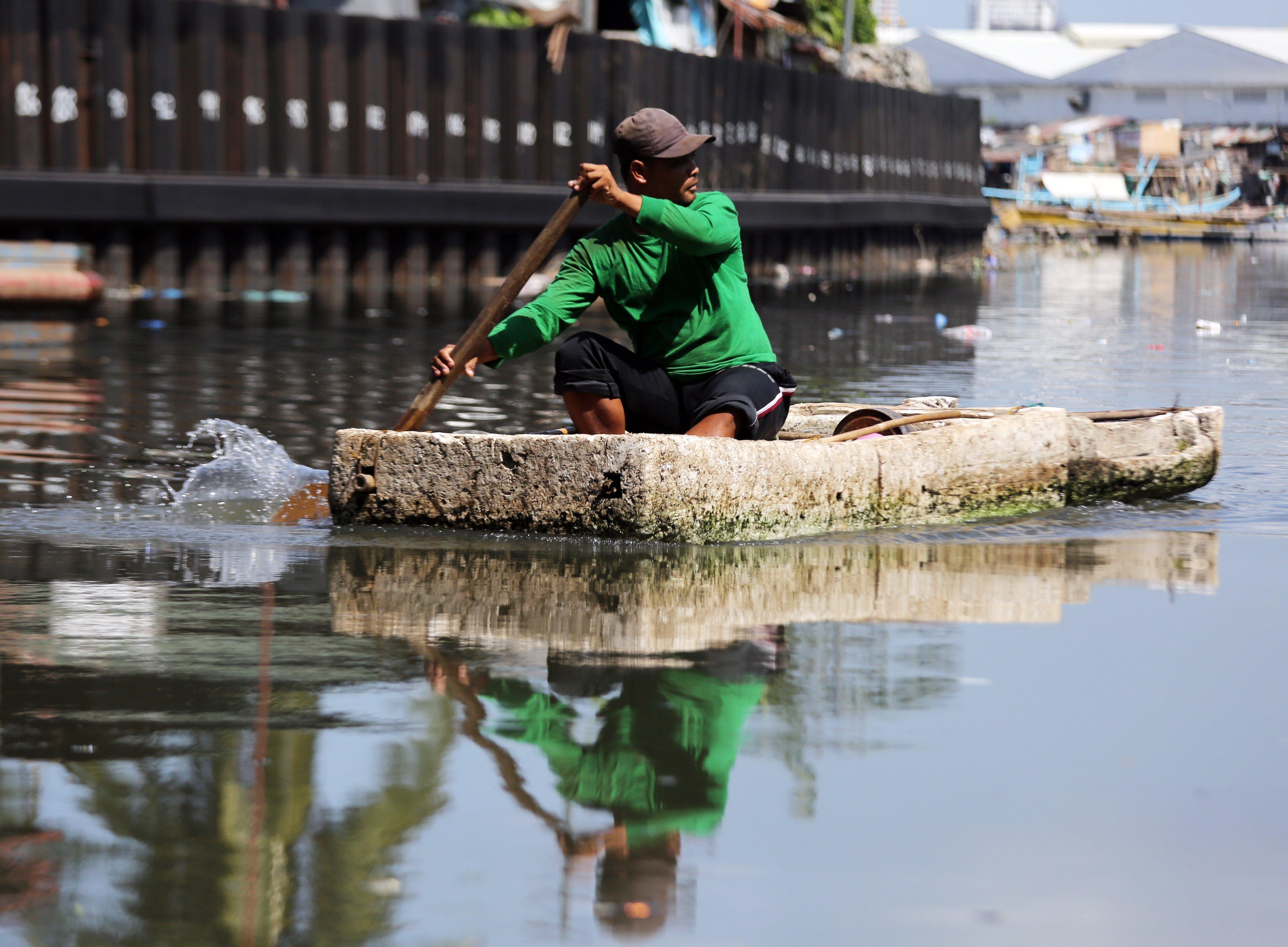 Inundacions a la ciutat de Paranaque, al sud de Manila, Filipines. /FRANCIS R. MALASIG