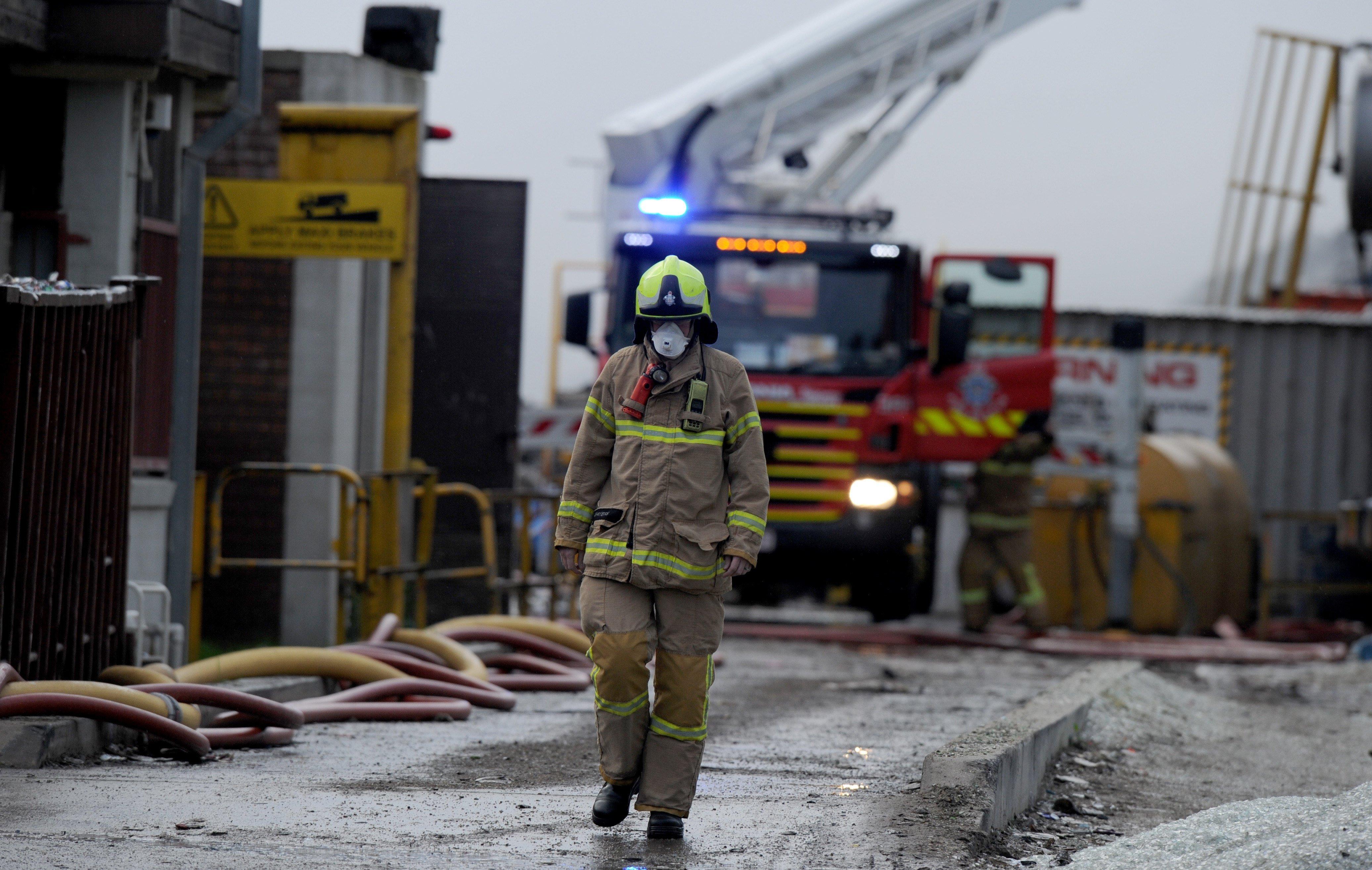 Incendi en una planta de reciclatge de Melburne. /MAL FAIRCLOUGH