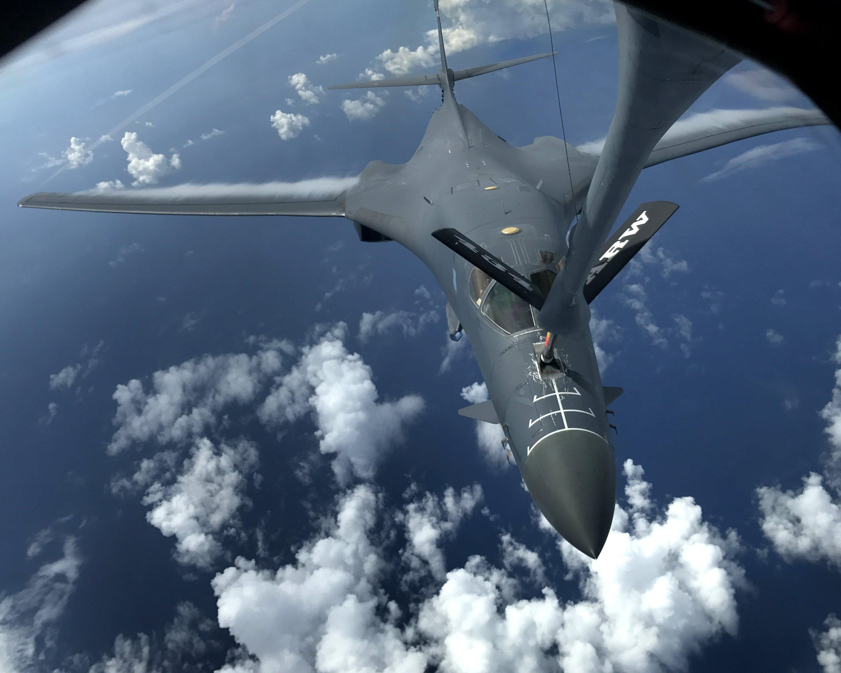 Aeronaus B-1B Lancers a la base de les Forces Aèries d'Andersen a Guam. /AIRMAN 1ST CLASS GERALD WILLIS