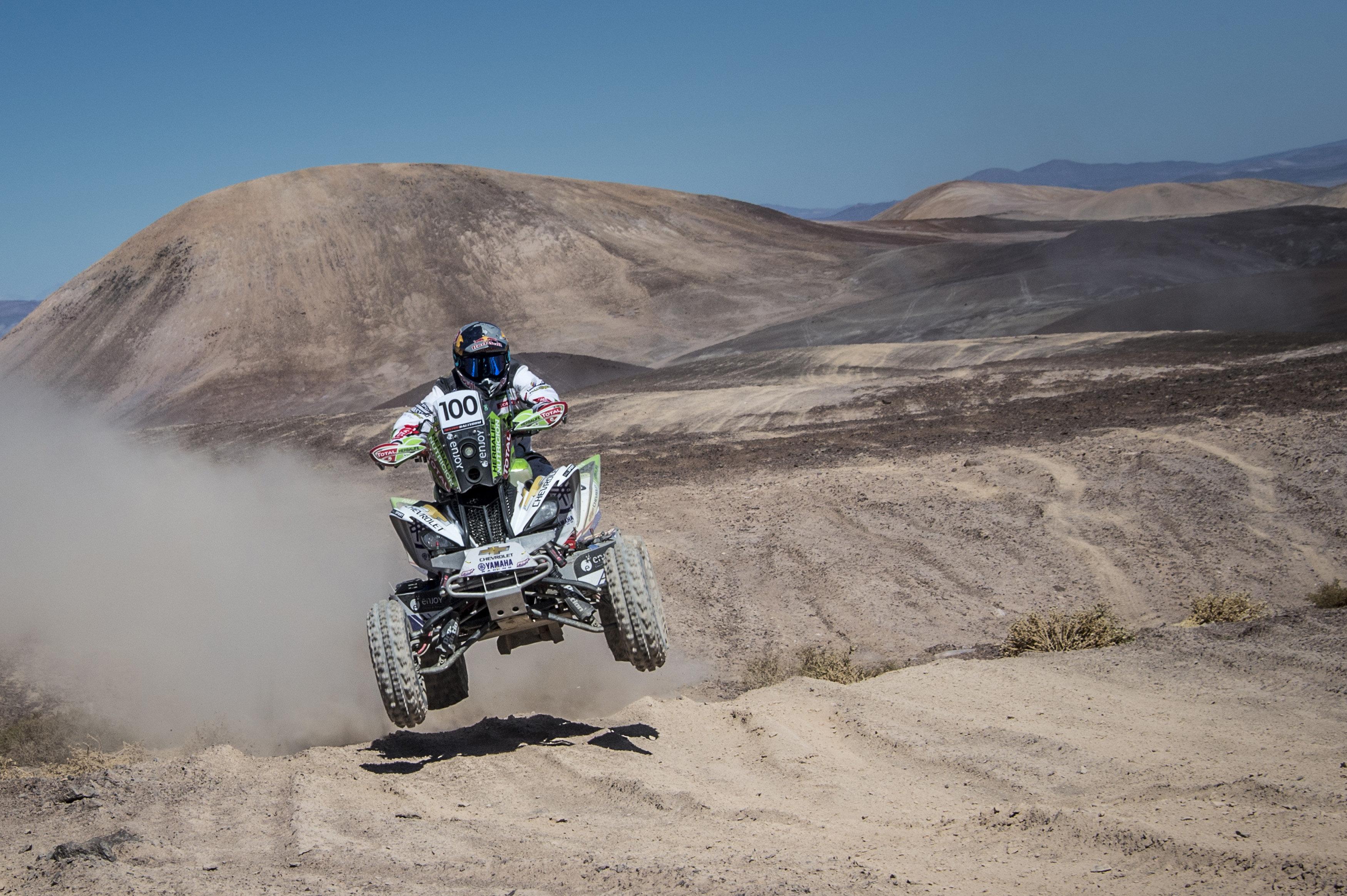 El xilè Ignacio Casale durant la seva participació en la tercera etapa del Ral·li d'Atacama. /CRISTIANO BARNI