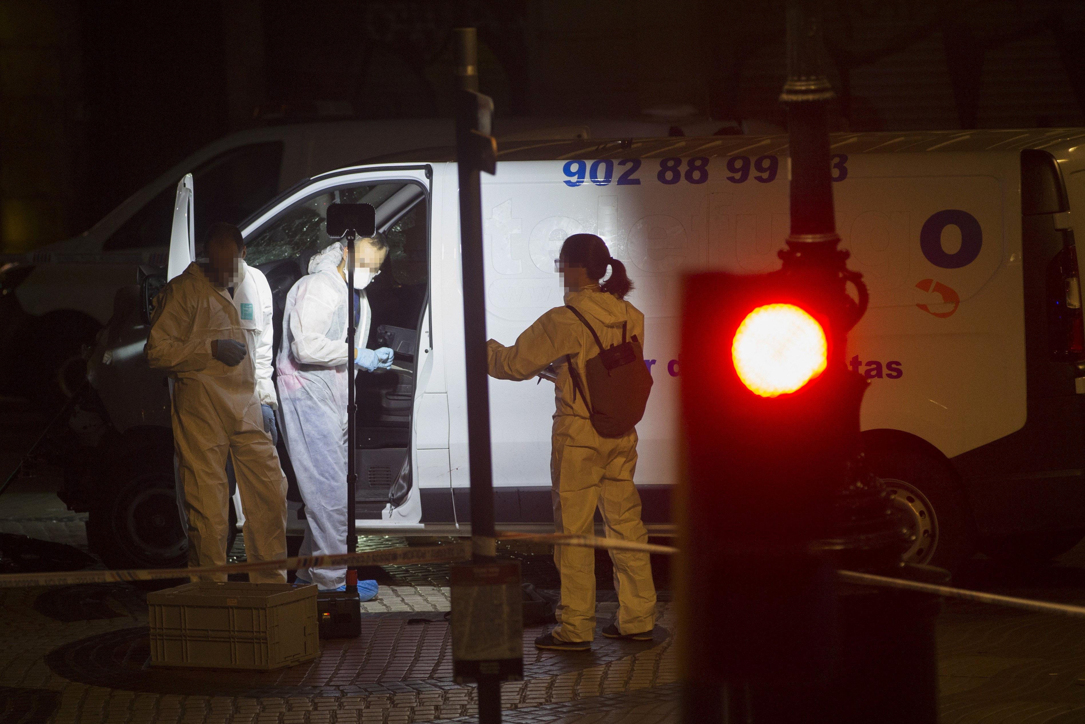 Imatge de la furgoneta que ha provocat l'atemptat de les Rambles de Barcelona. / QUIQUE GARCÍA