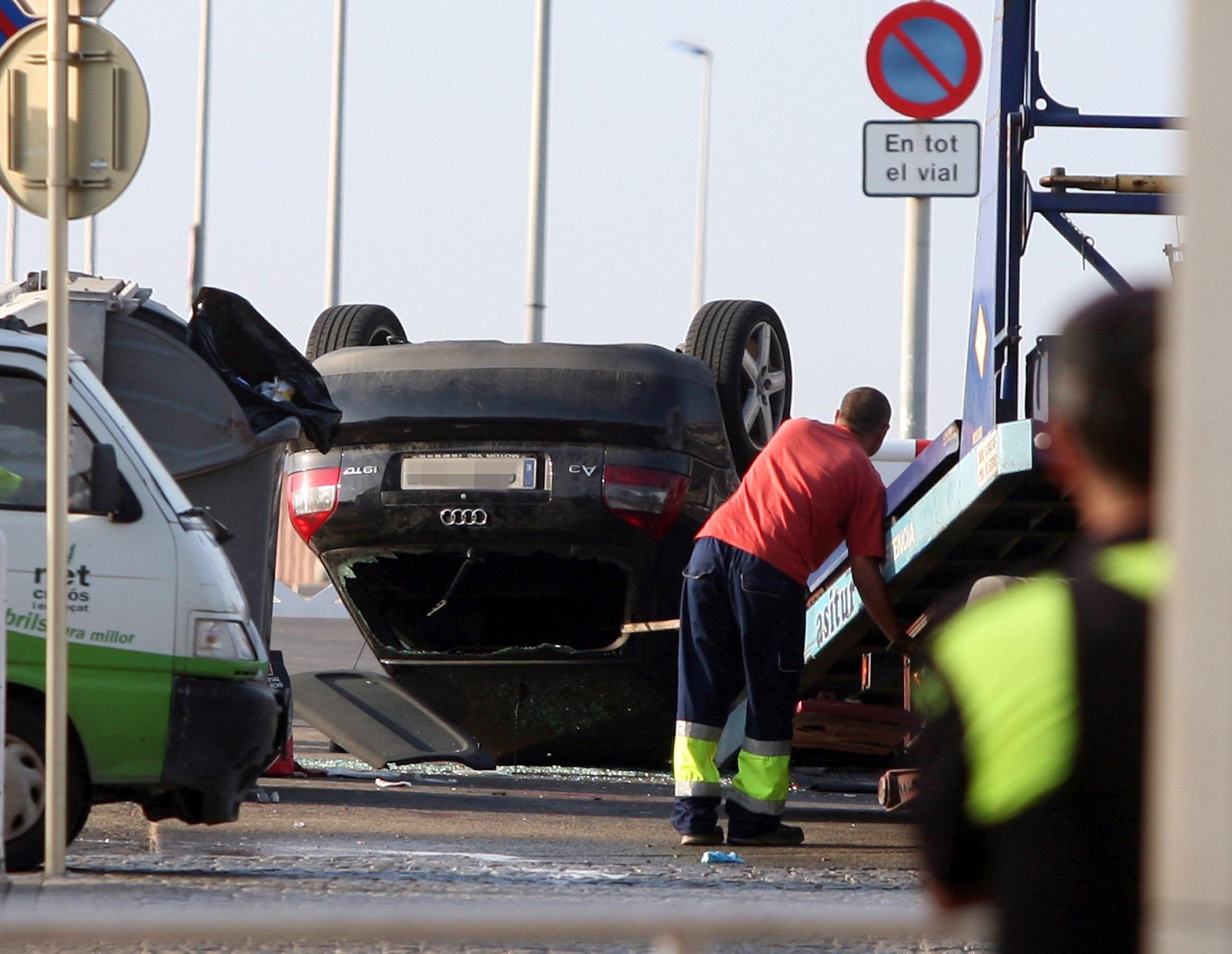 Els Mossos d'Esquadra han abatut aquesta nit cinc presumptes terroristes a Cambrils (Tarragona). /JAUME SELLART