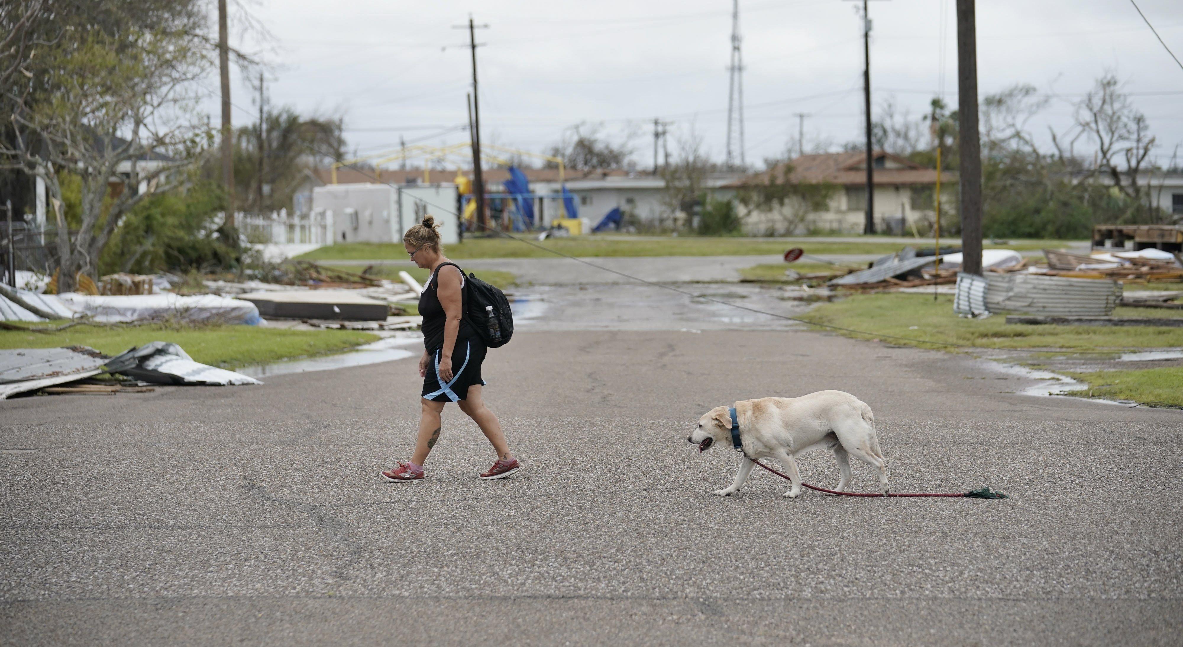 Dues persones han mort pel pas de l'huracà Harvey (Houston). /DARREN ABATE