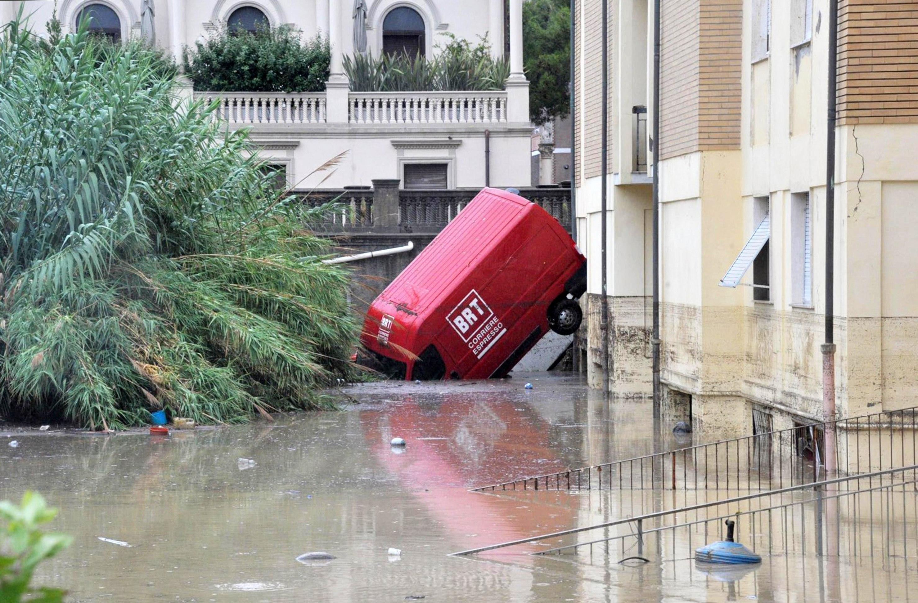 Vista d'un carrer negat a Livorno, Itàlia. /ALESSIO NOVI