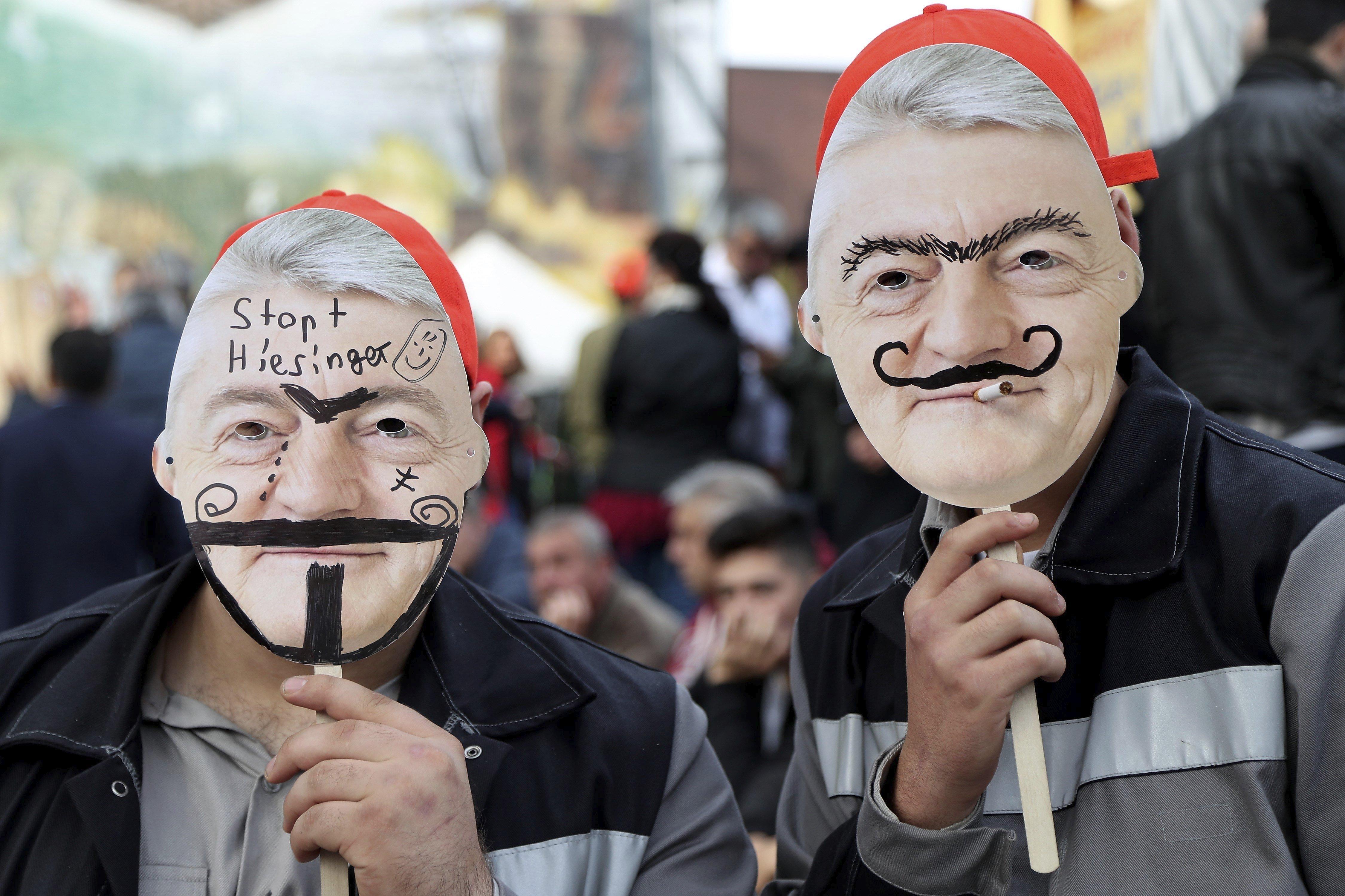 Protesta de treballadors de Thyssenkrupp a Bochum contra la fusió amb Tata Steel (Alemania). /FRIEDEMANN VOGEL