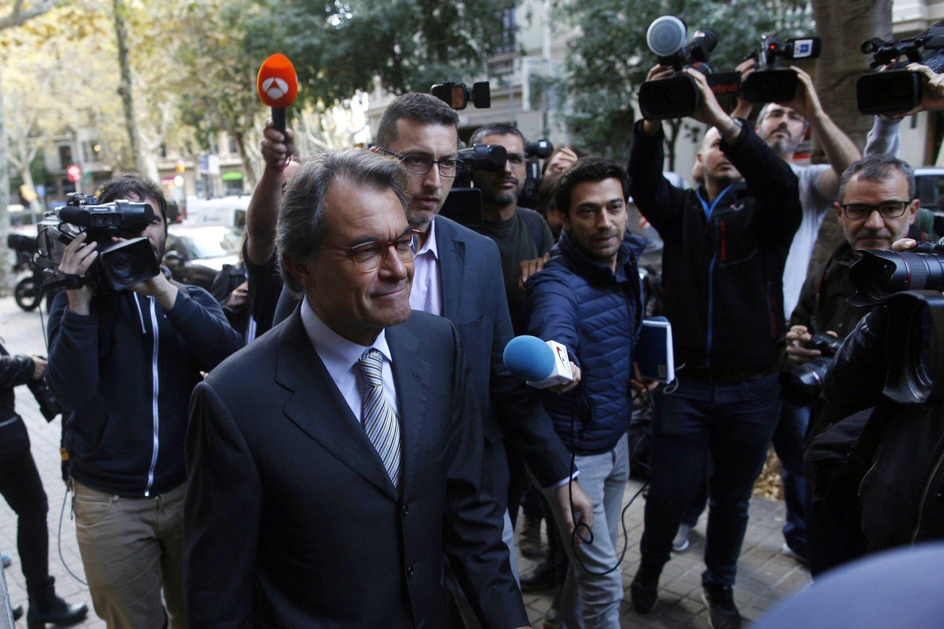 Artur Mas arriba a la reunió del Comitè Nacional del PDeCAT. /EFE