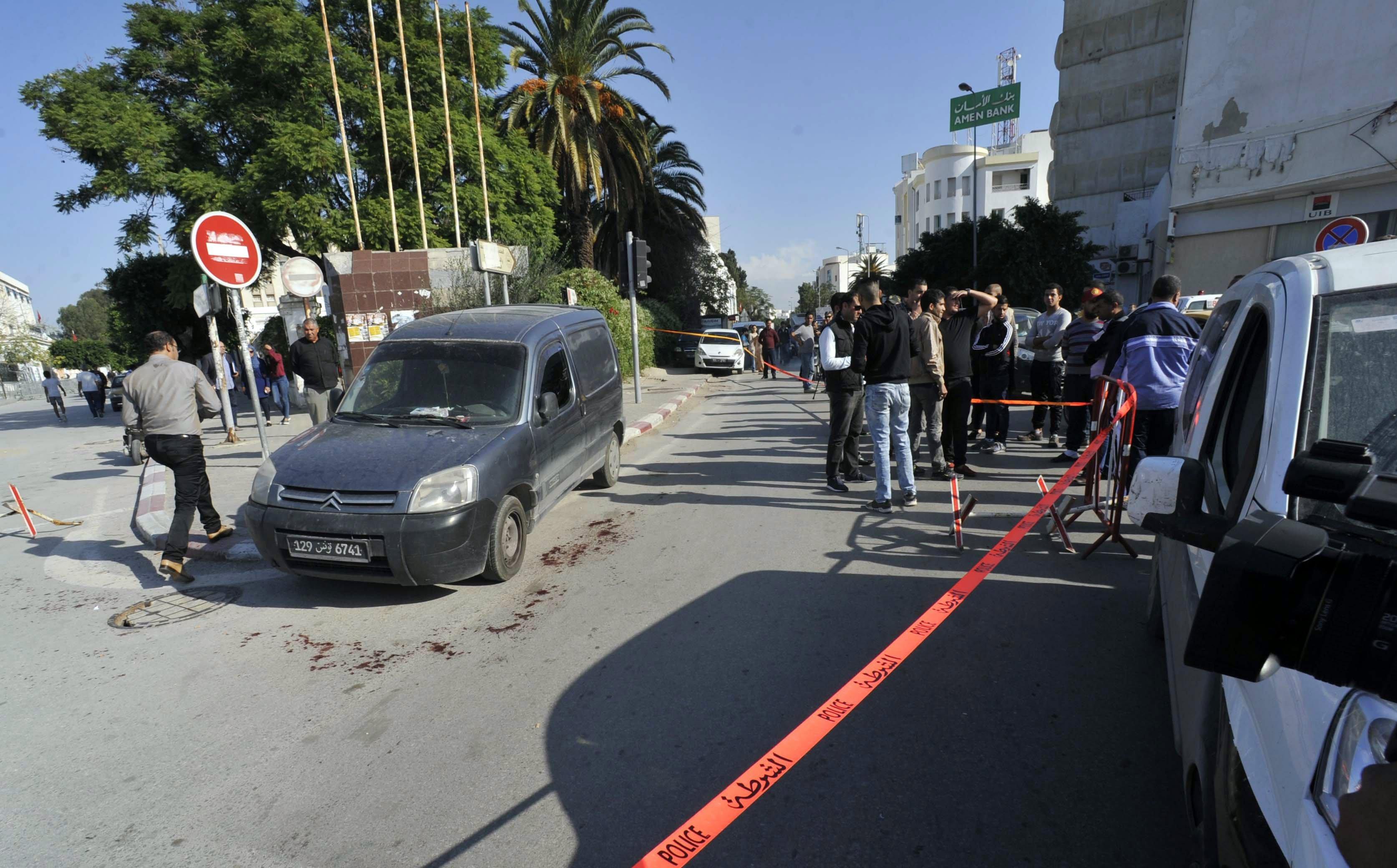 Ferits dos policies en un suposat atac jihadista a Tunísia. /STR