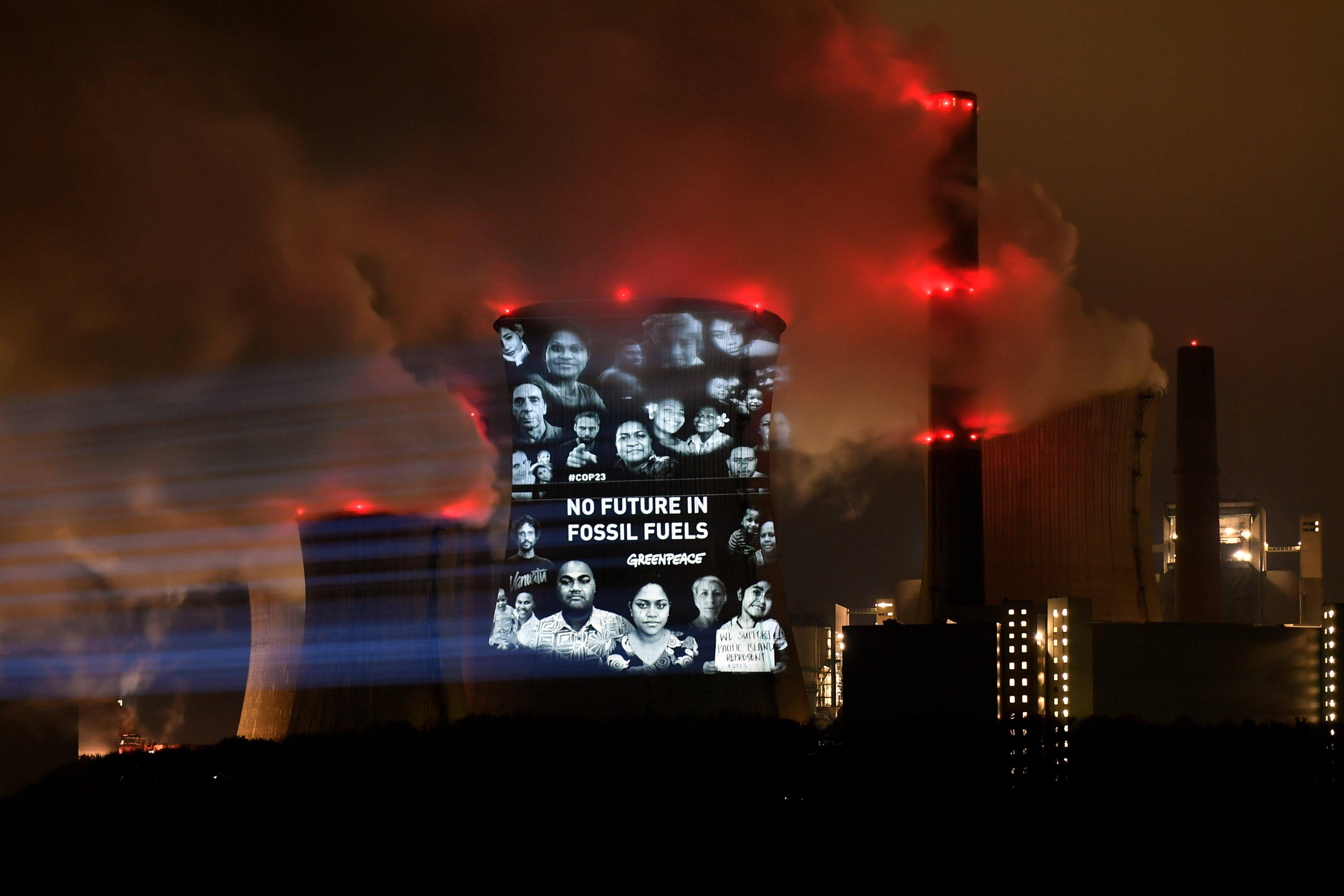 Protesta de Greenpeace durant la Conferència de Canvi Climàtic COP23. /SASCHA STEINBACH