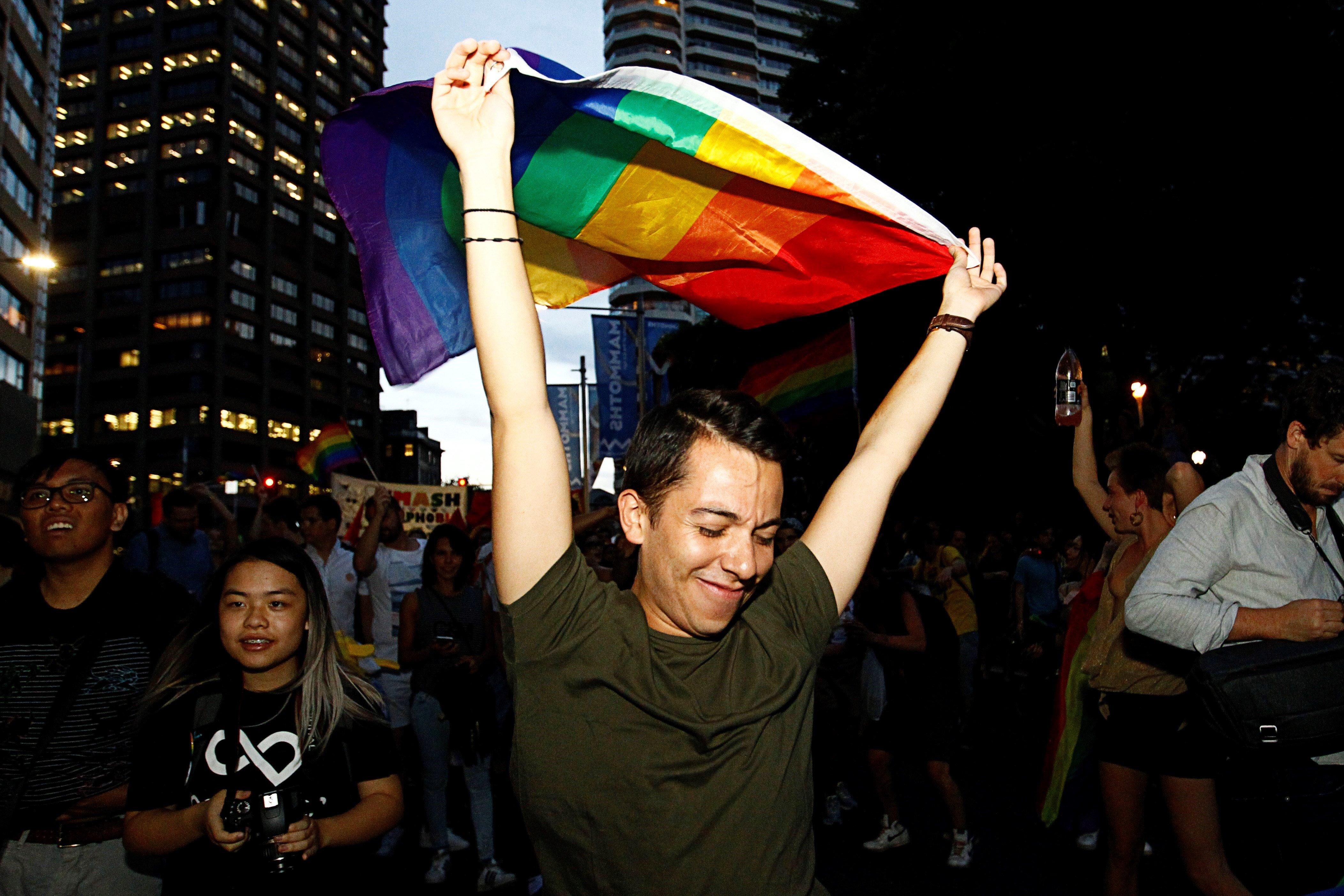 Austràlia avança cap a la legalització del matrimoni homosexual. El Parlament tramitarà la nova llei després de la clara victòria del sí en una enquesta postal. /DANNY CASEY