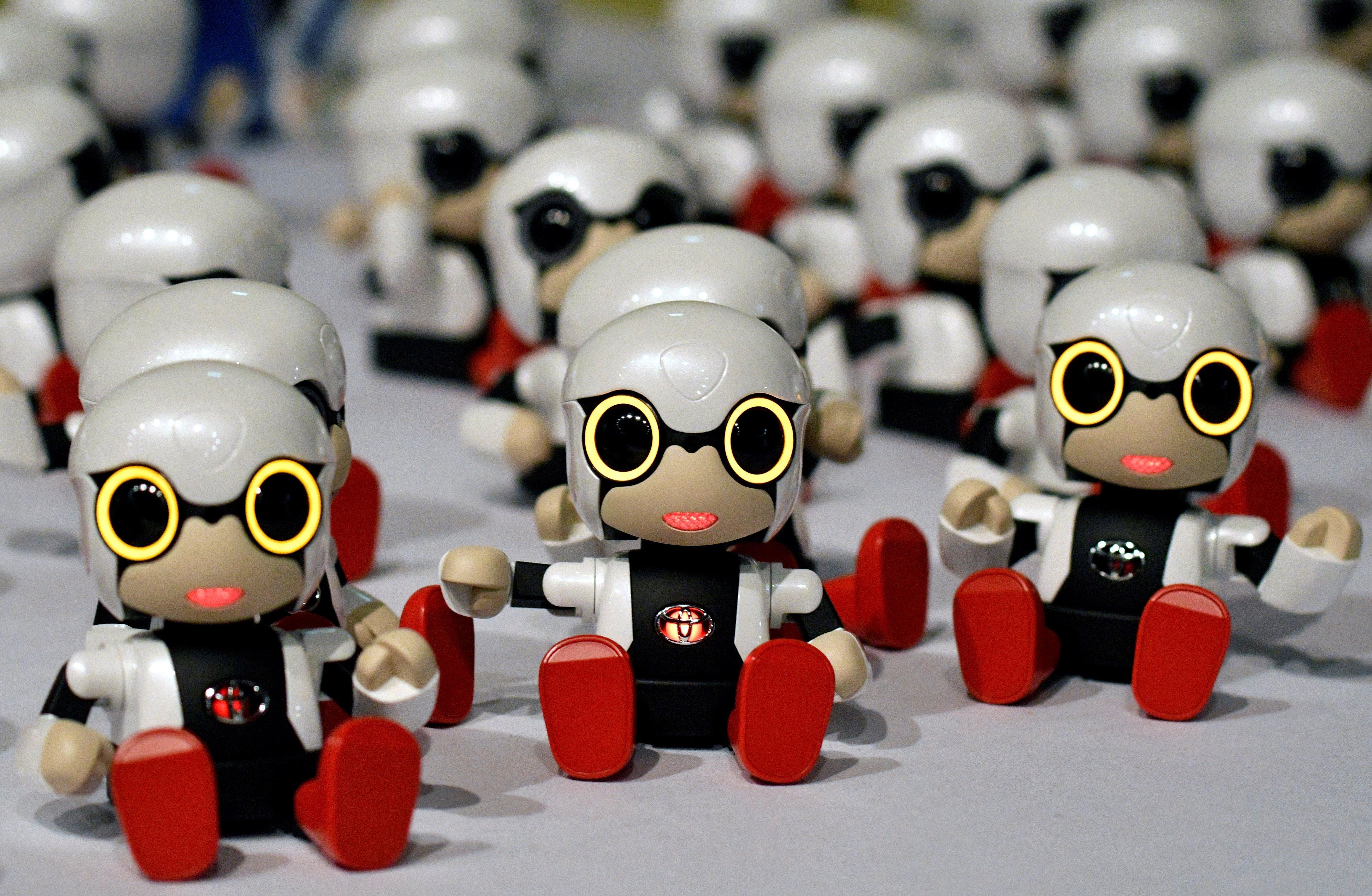 Toyota llança un mini robot capaç de reaccionar a les emocions de l'amo. /FRANCK ROBICHON
