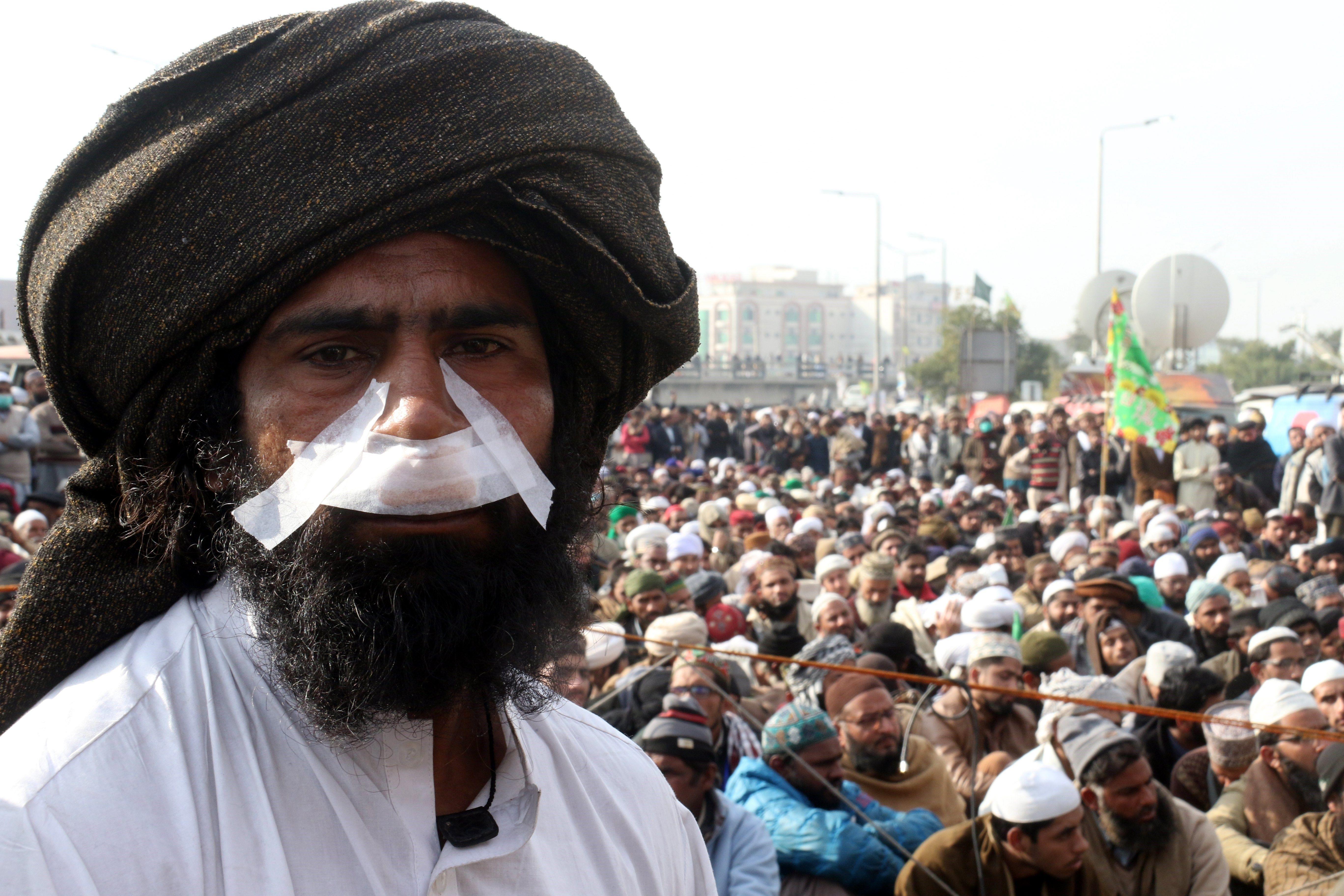 Dimiteix el ministre de Justícia pakistanès per posar fi a protestes islamistes. /SOHAIL SHAHZAD