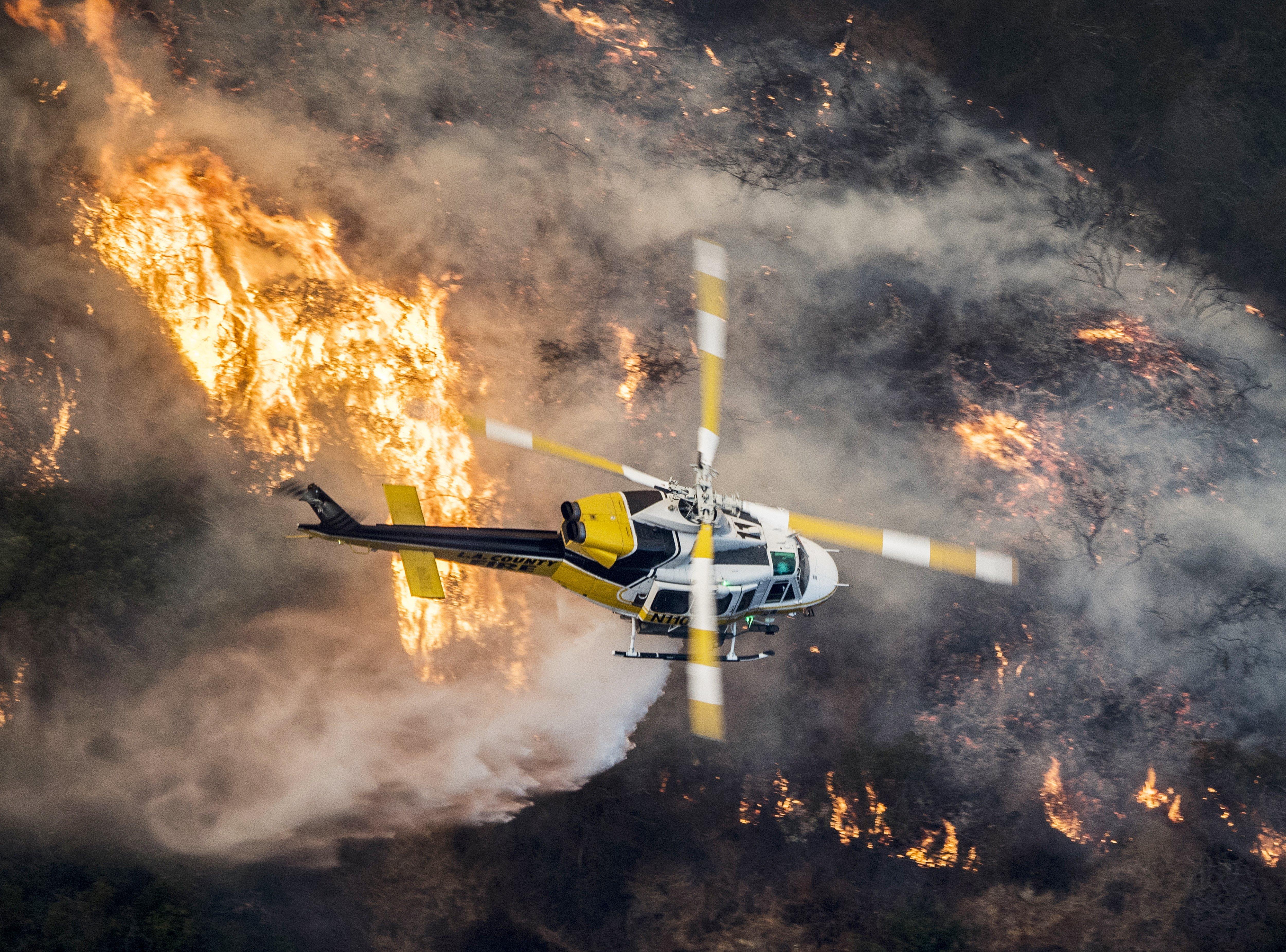 Els incendis de Califòrnia cremen milionàries mansions de Bel Air. /JOHN CETRINO