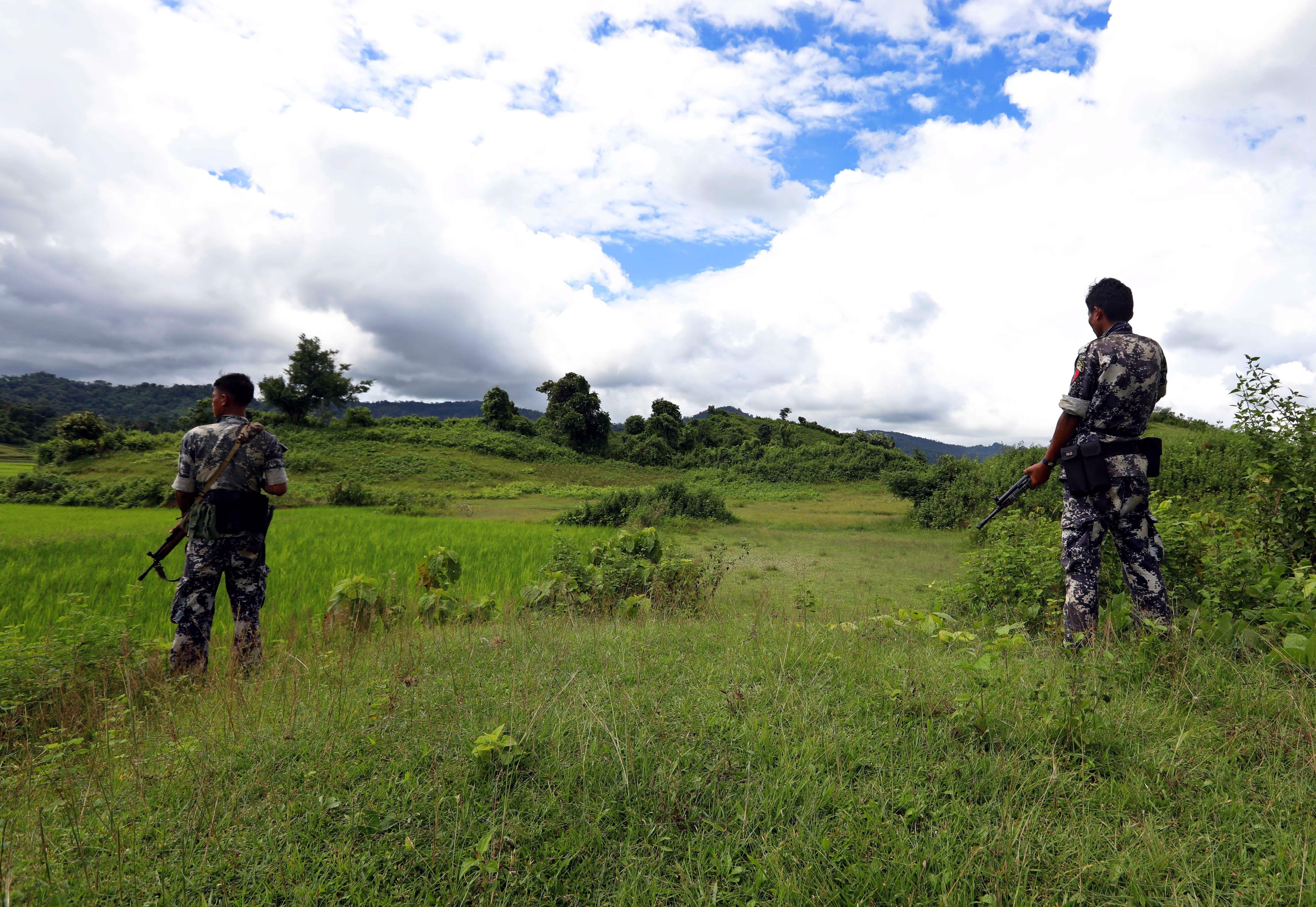 Birmània investiga l'existència d'una fossa comuna enmig de les acusacions de genocidi.