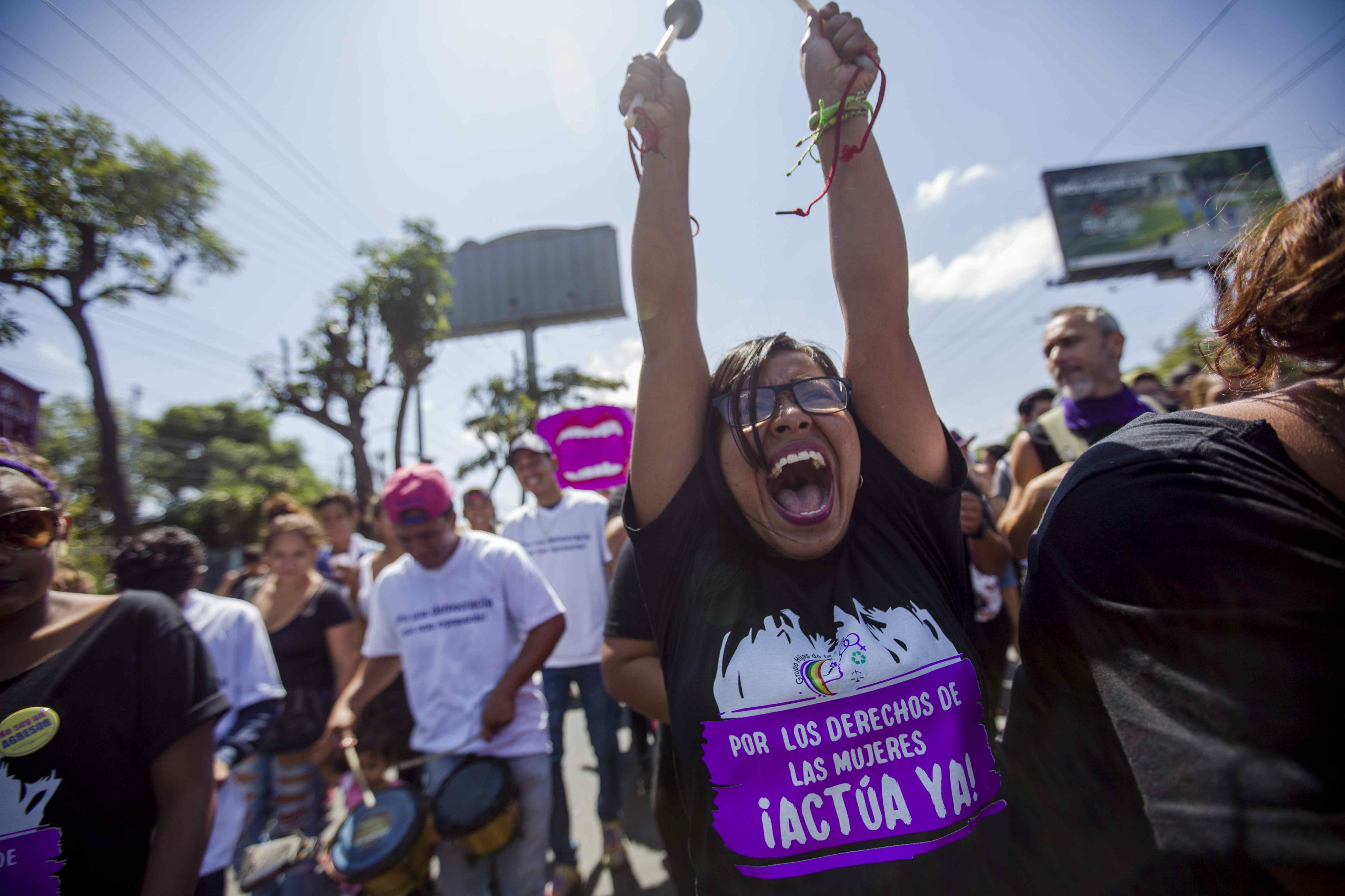 Milers de persones prenen els carrers de Nicaragua per celebrar Dia de la Dona. /JORGE TORRES