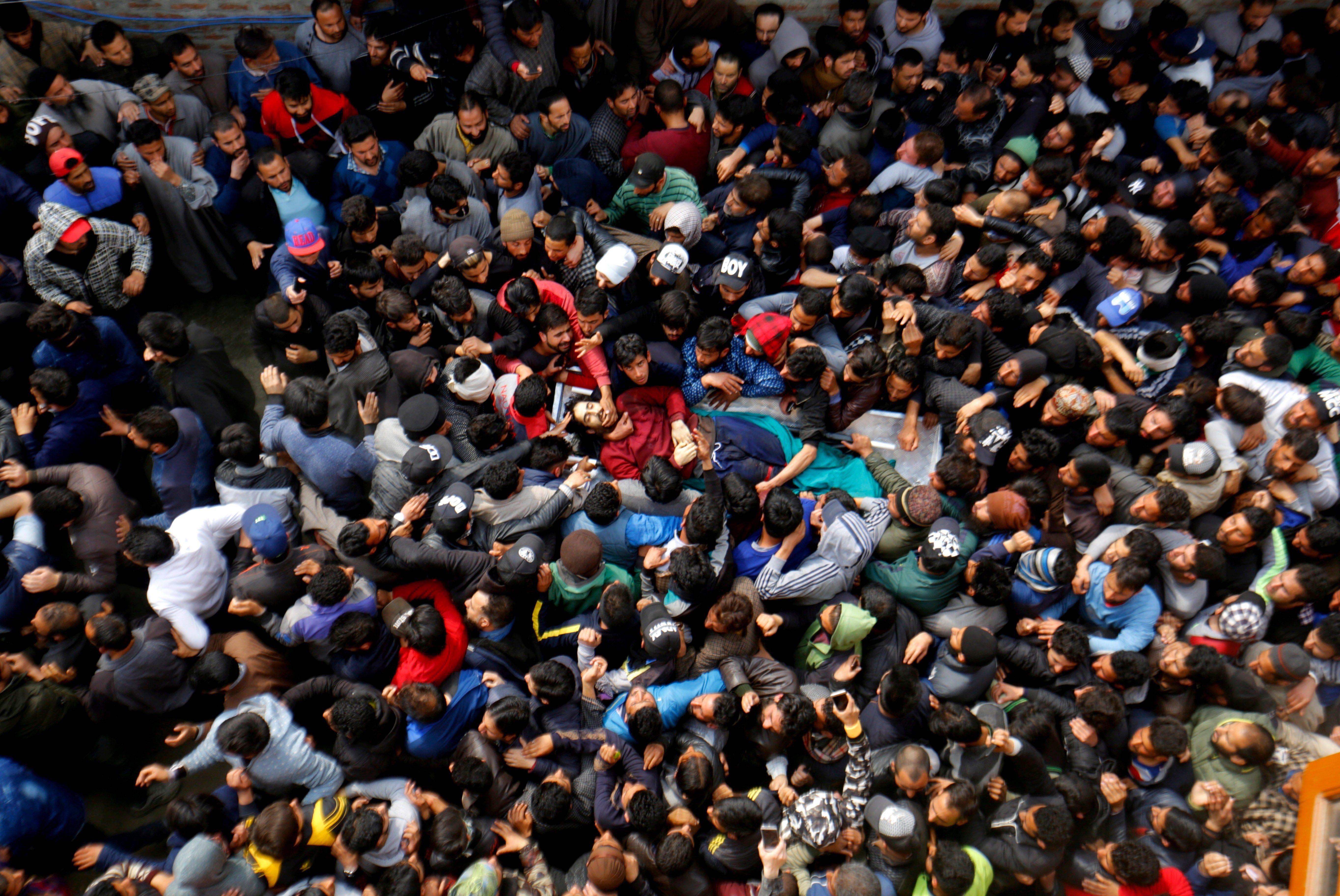 Funeral de tres milicians abatuts per les tropes índies. /FAROOQ KHAN